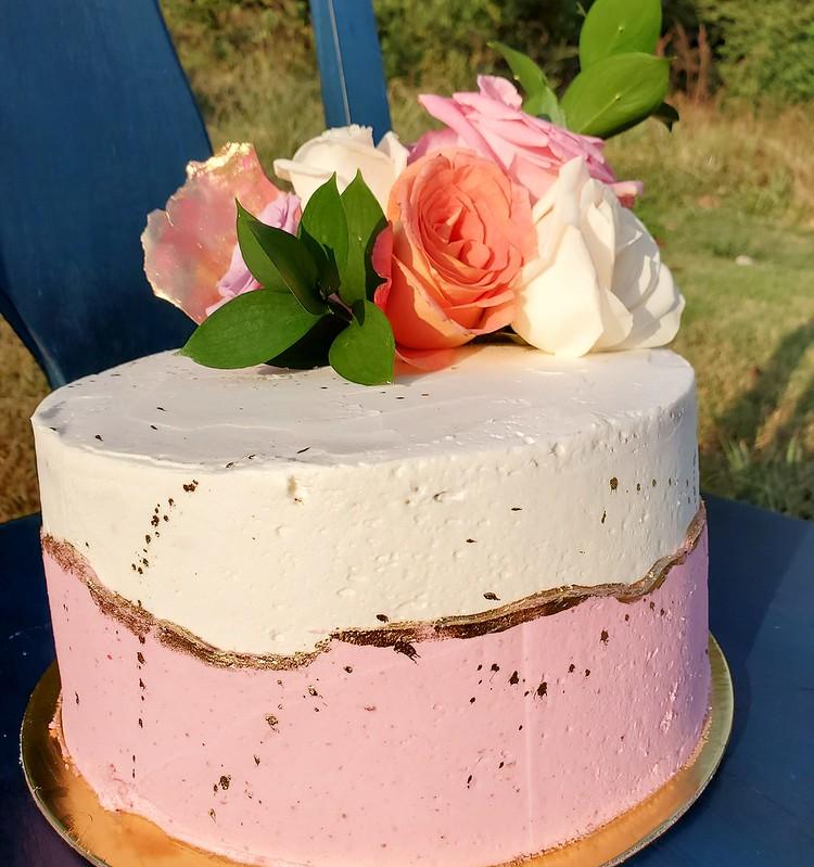 Cake by Koya Cakes