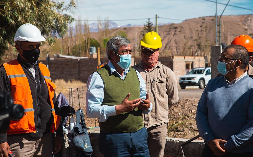 2021-09-06 PRENSA: Uñac visitó Calingasta para recorrer obras del programa Argentina Hace y del IPV