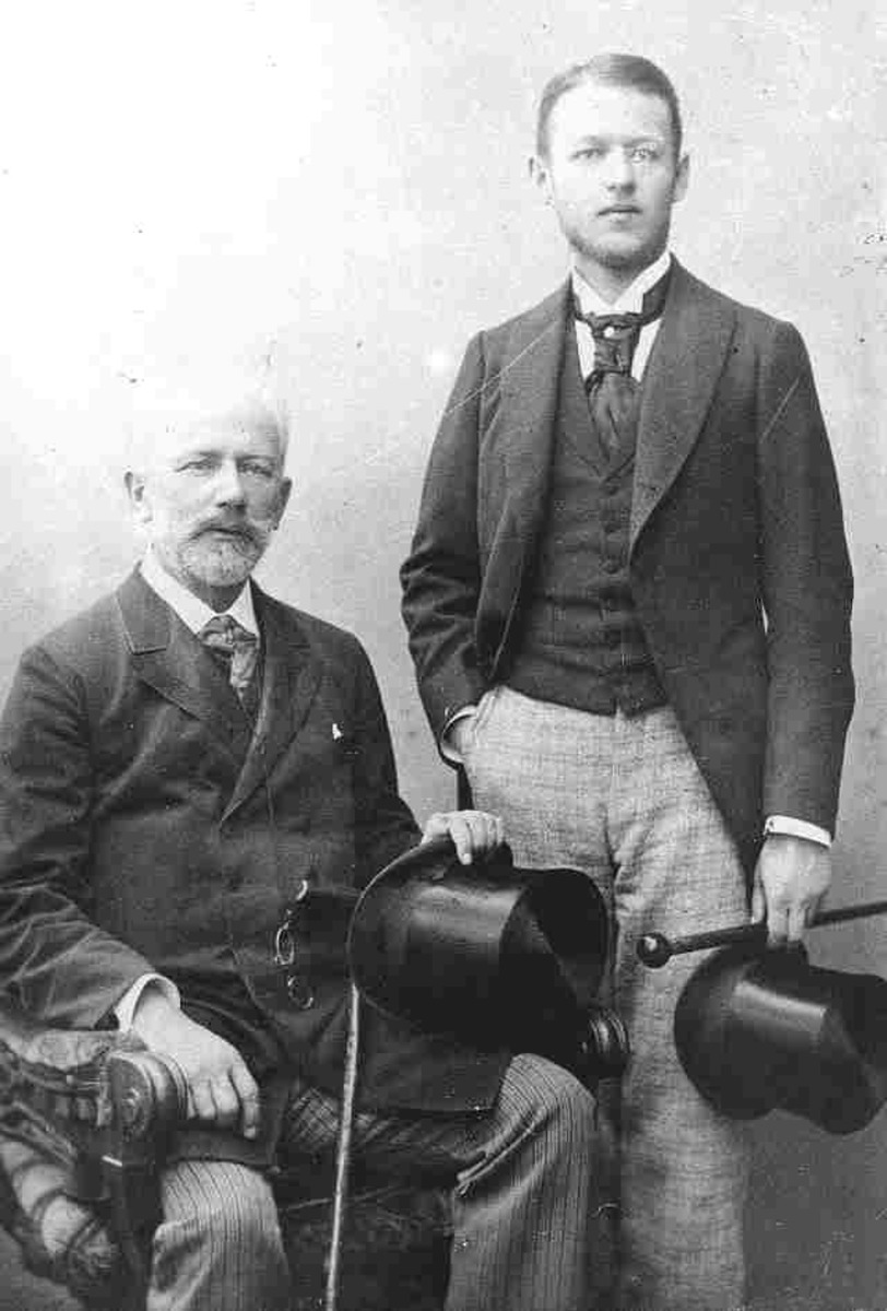 1892. С племянником Володей Давыдовым. Париж