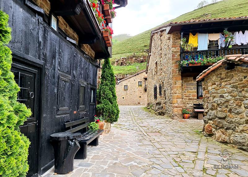 Una visita a Barcena Mayor, uno de los Pueblos más Bonitos de España (13)
