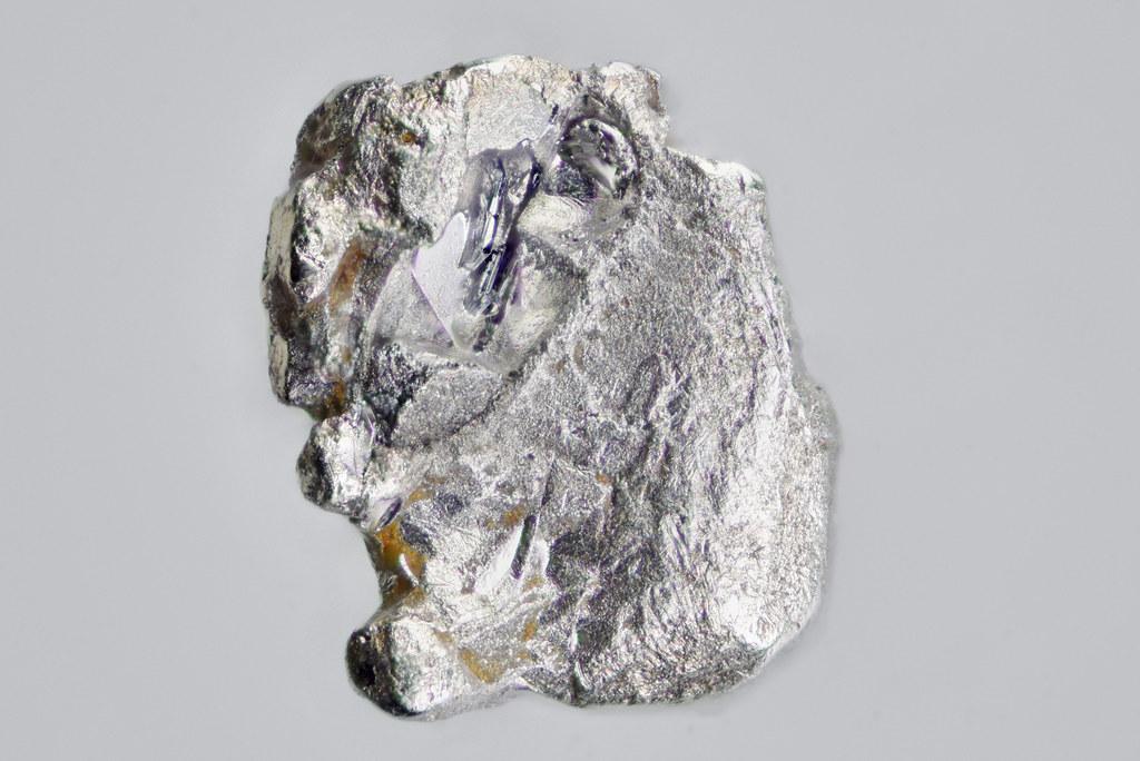 ミアス鉱 / Miassite