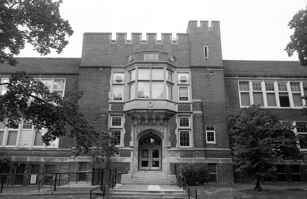 Bowmore Public School