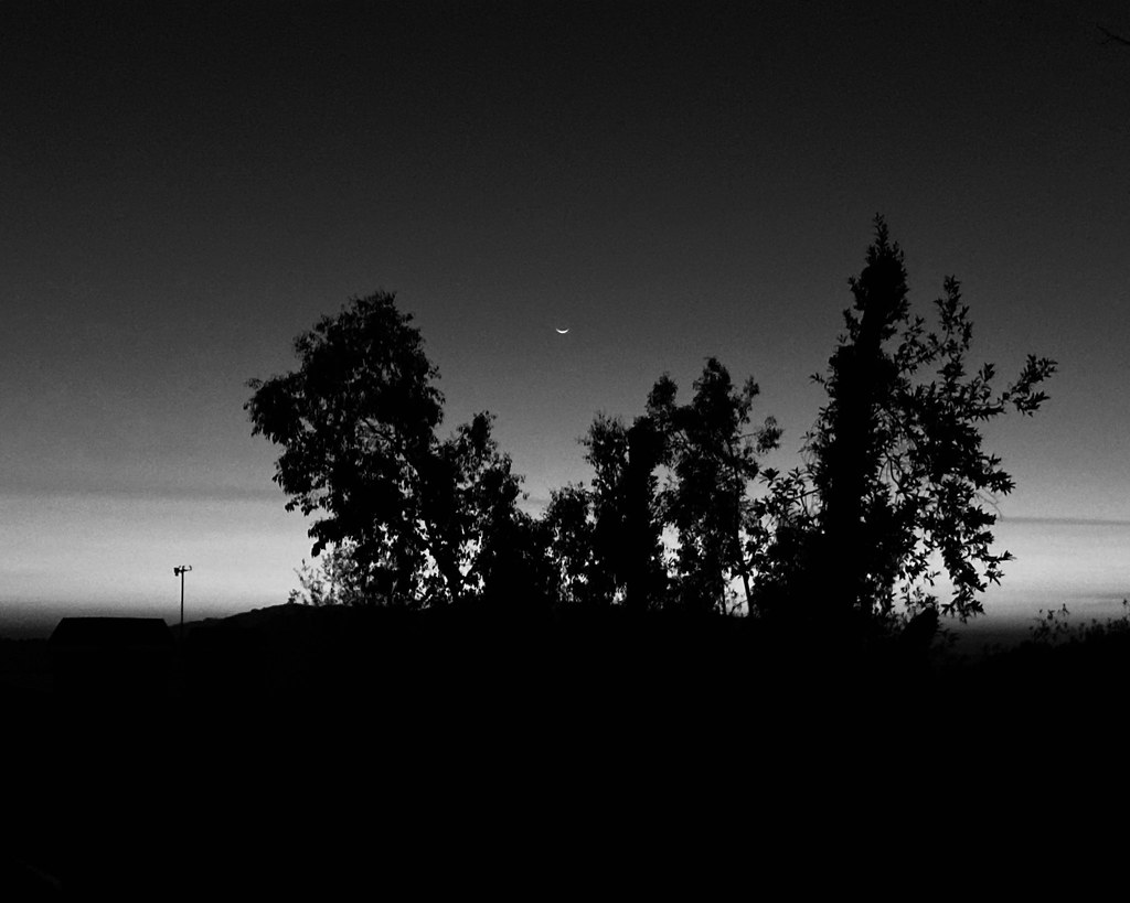 Moonset Anselmo