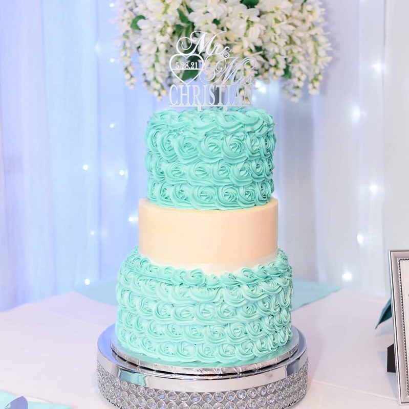 Cake by Worth the Weight Gourmet Sweets