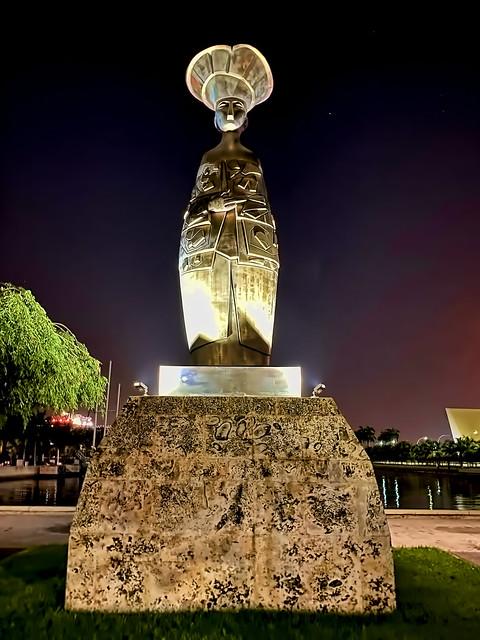 """""""Flora la Recogedora de Sueños,"""" a sculpture by Miami artist Cundo Bermudez, Museum Park, Miami, Florida, USA"""