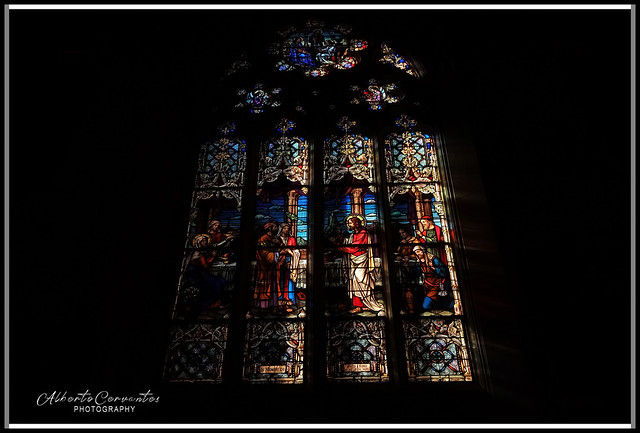 VITRAL NOCTURNO. NIGHT STAINED GLASS. NEW YORK CITY.