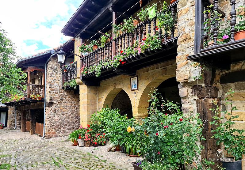 Una visita a Barcena Mayor, uno de los Pueblos más Bonitos de España