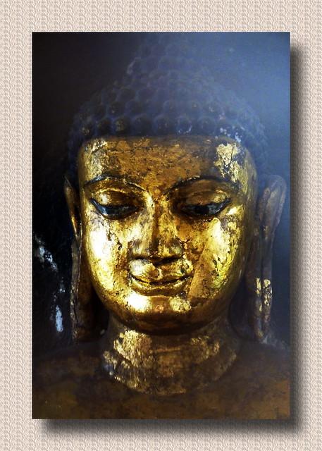 India - Uttar Pradesh - Kushinagar - Matha Kuar Shrine - Buddha Statue - 8