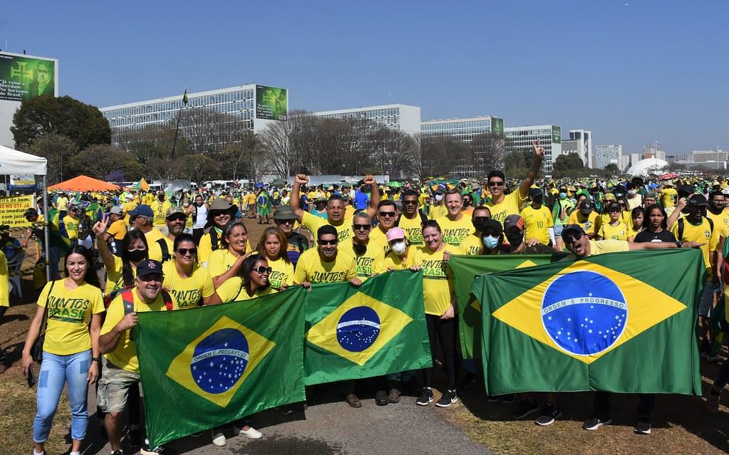 No Dia da Independência do Brasil, deputado Roosevelt Vilela participa de evento na Esplanada ao lado de milhares de brasileiros