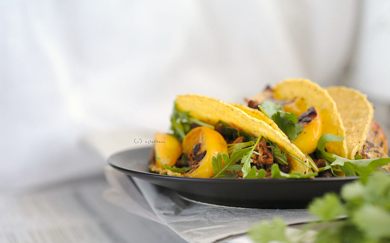 pulled pork taco w/ grilled peaches