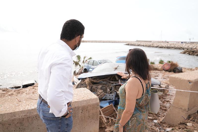 Ignacio Garriga Vaz de Concicao visita Alcanar (Tarragona) para mostrar el apoyo de VOX a los vecinos de las inundaciones