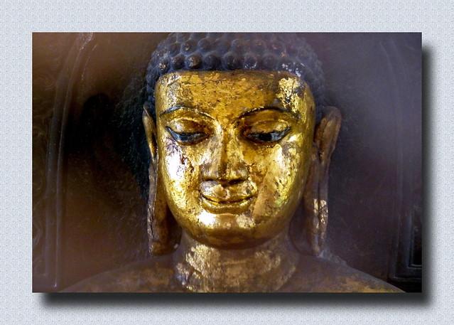 India - Uttar Pradesh - Kushinagar - Matha Kuar Shrine - Buddha Statue - 6
