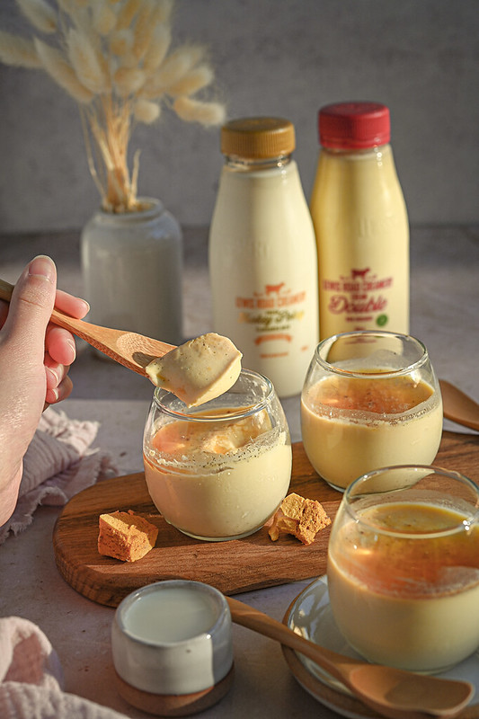 Hokey pokey milk pudding