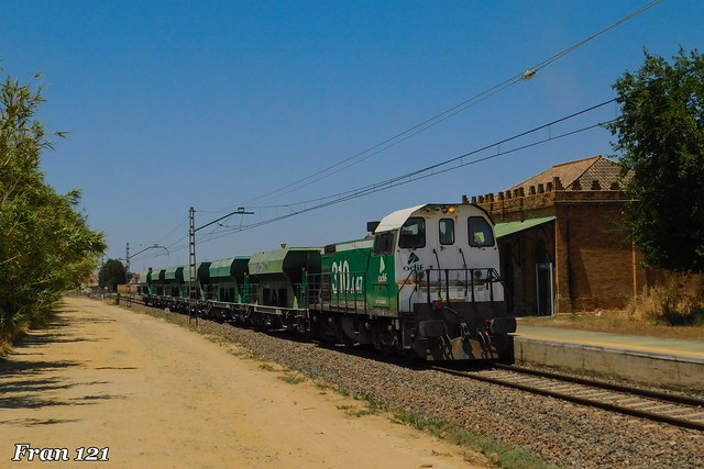 Tren de balasto por Villarrasa