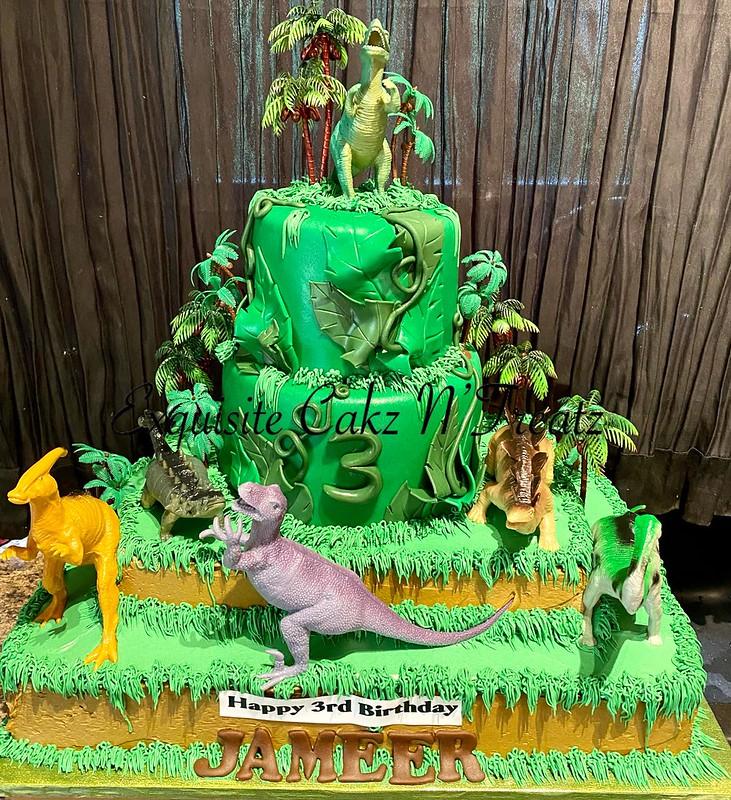Cake by Exquisite Cakz N'Treatz