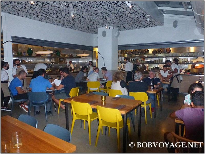 החלל המרכזי ב- מסעדת משייה (Mashya)
