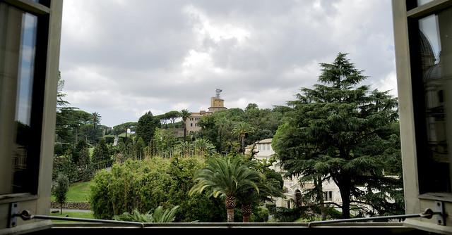Uitzicht vanuit het Vaticaan Museum / Vaticaanstad