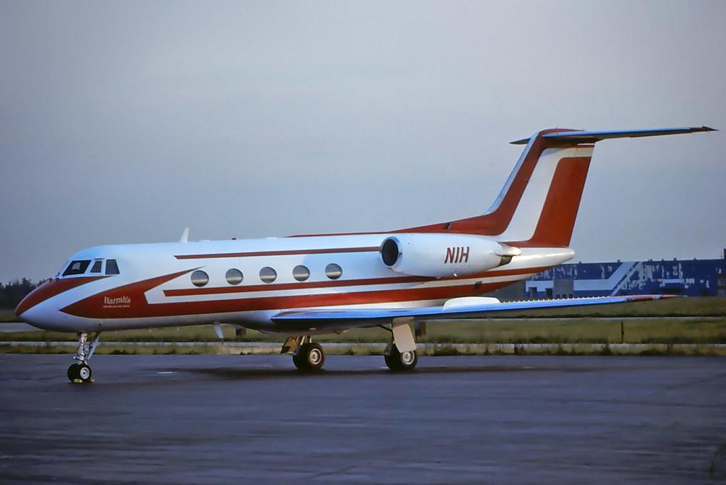 N1H Grumman G-1159 GII at KCLE