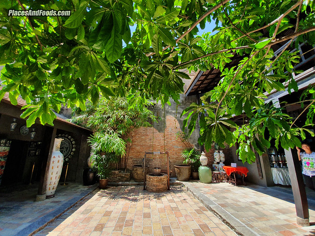 Baan Nakhon Nai Museum courtyard