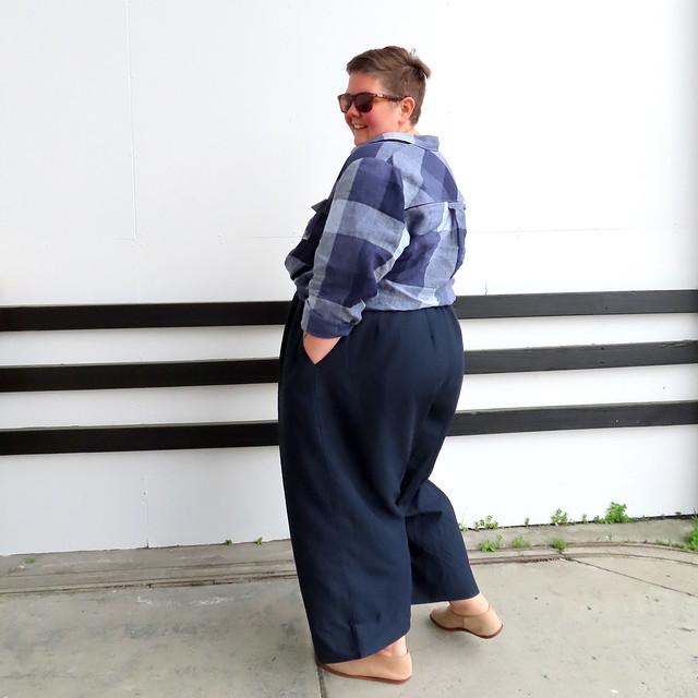 Tencel pleated pants-10