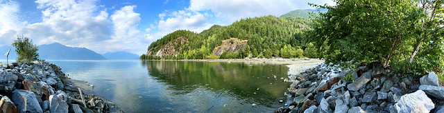 A late summer rapidly rising tide in Porteau Cove (+1)