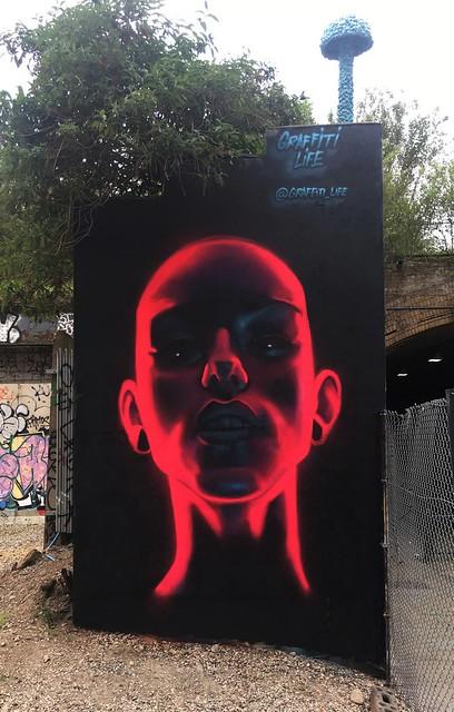 David Speed Neon face, Shoreditch 2018