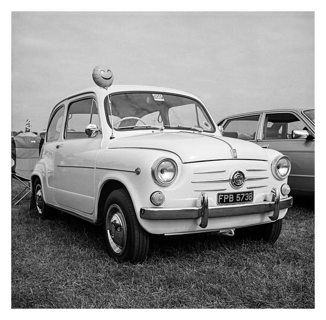Fiat 600 and happy balloon