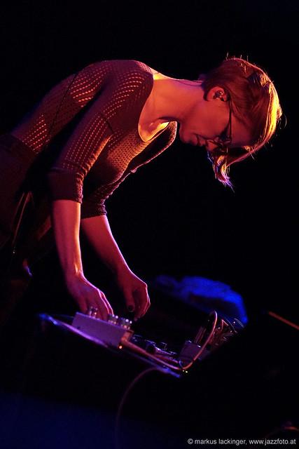Maarja Nuut: vocals, electronic