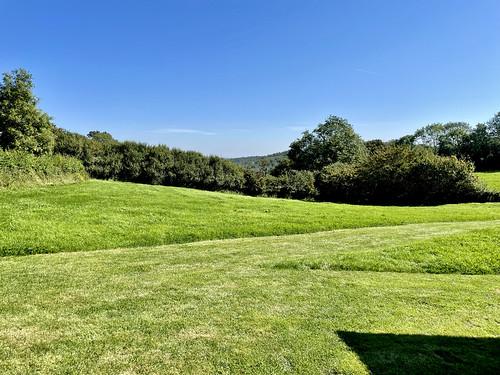 landscape green sky bluesky eastsussex perchhillfarm sarahraven grass trees nature smalllandscape iphone