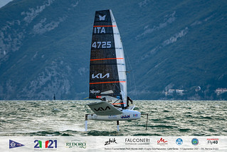 Fraglia Vela Malcesine_2021 Moth Worlds-2672_Martina Orsini