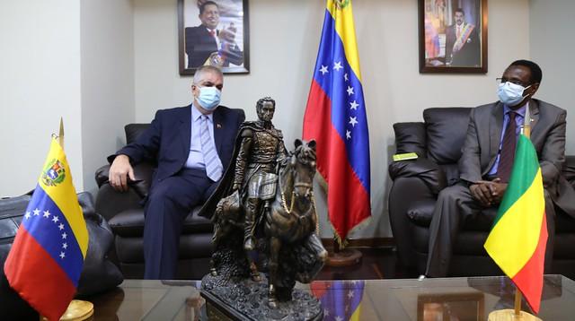 Viceministro Yuri Pimentel sostiene encuentro con embajador de Malí en Venezuela