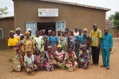 Photo de famille des femmes AME après leur formation sur l%27élaboration du plan d%27affaire SGP Benin Family photo of AME women after their training on the development of the SGP Ben
