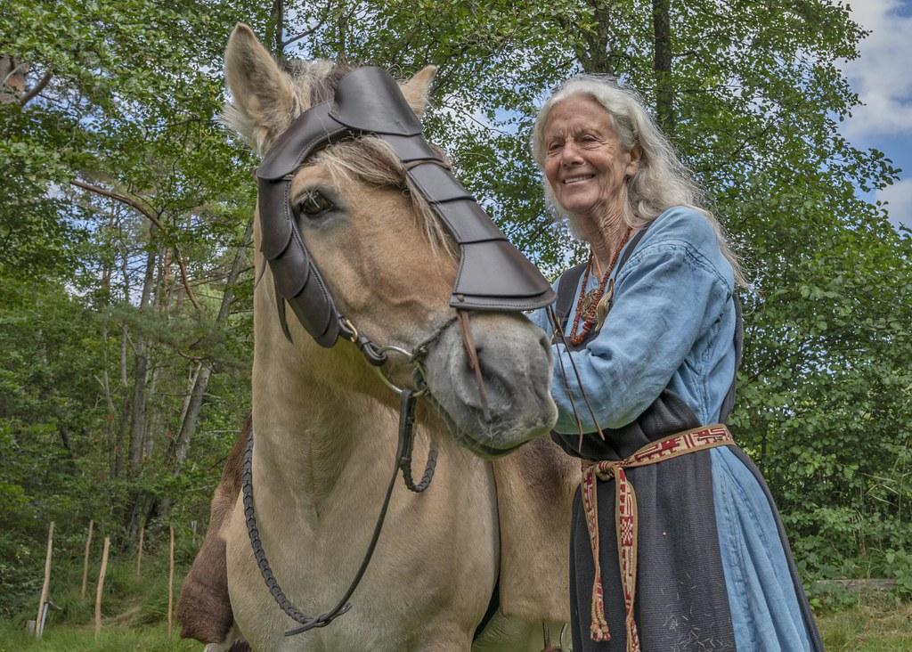 Queen Eldir with her horse