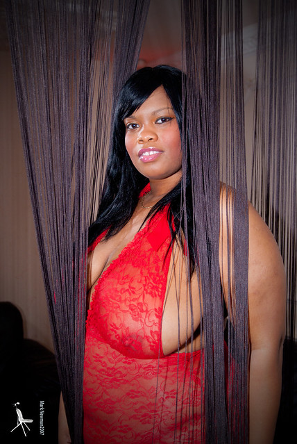 Busty Cookie, Bead Curtain