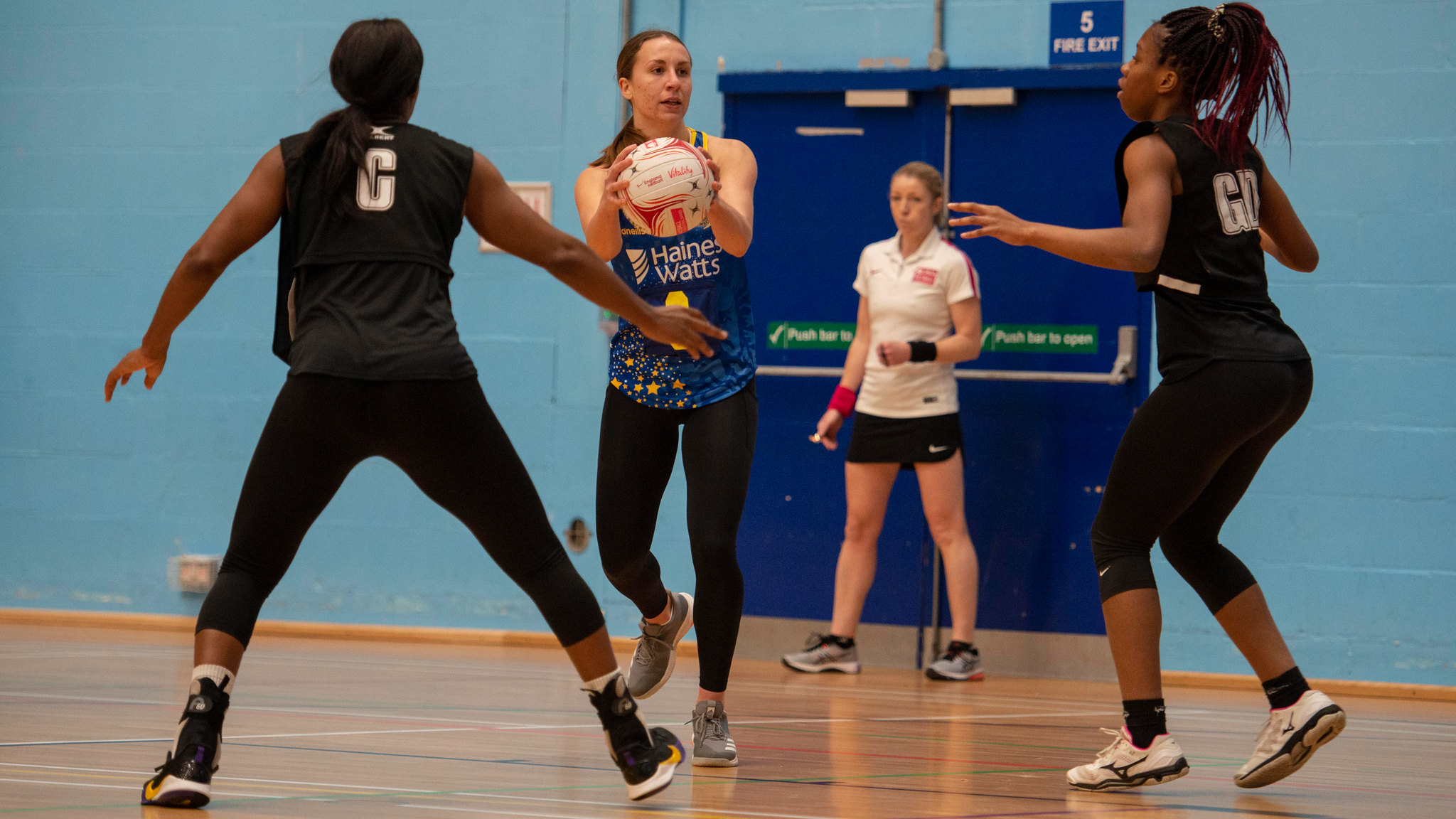 Anya Le Monnier playing for Team Bath Netball