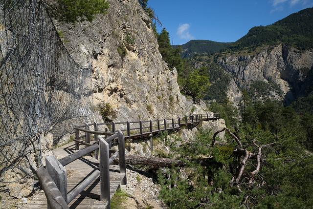 Bisse des Sarrasins . Val d'Anniviers (Valais)