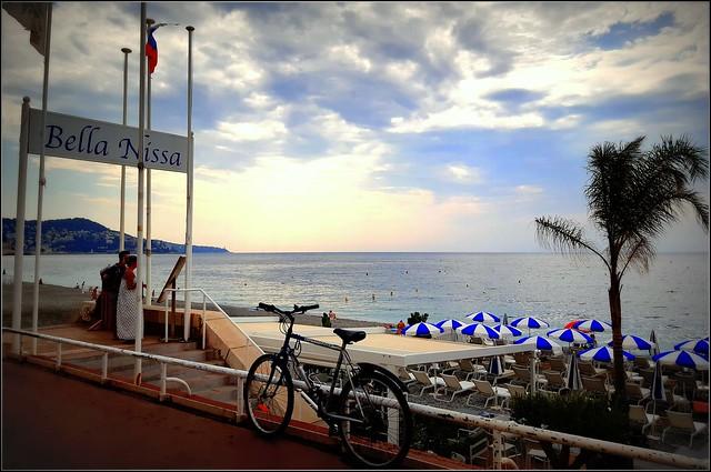demain nous dînerons sur la plage, au couchant...
