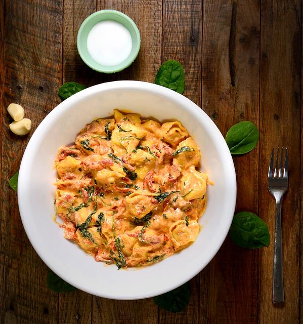 Creamy Sundried Mozzarella Tortellini