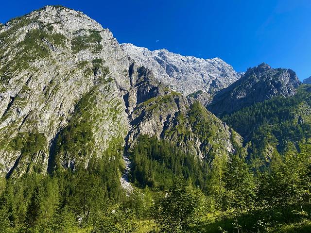 Wimbachtal valley with Watzmann west wall