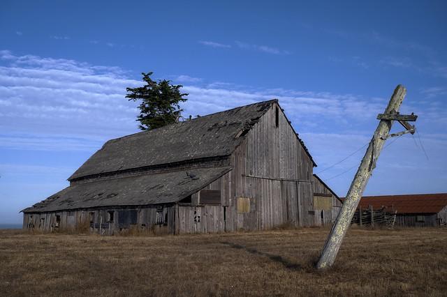 Old Mendocino Barn