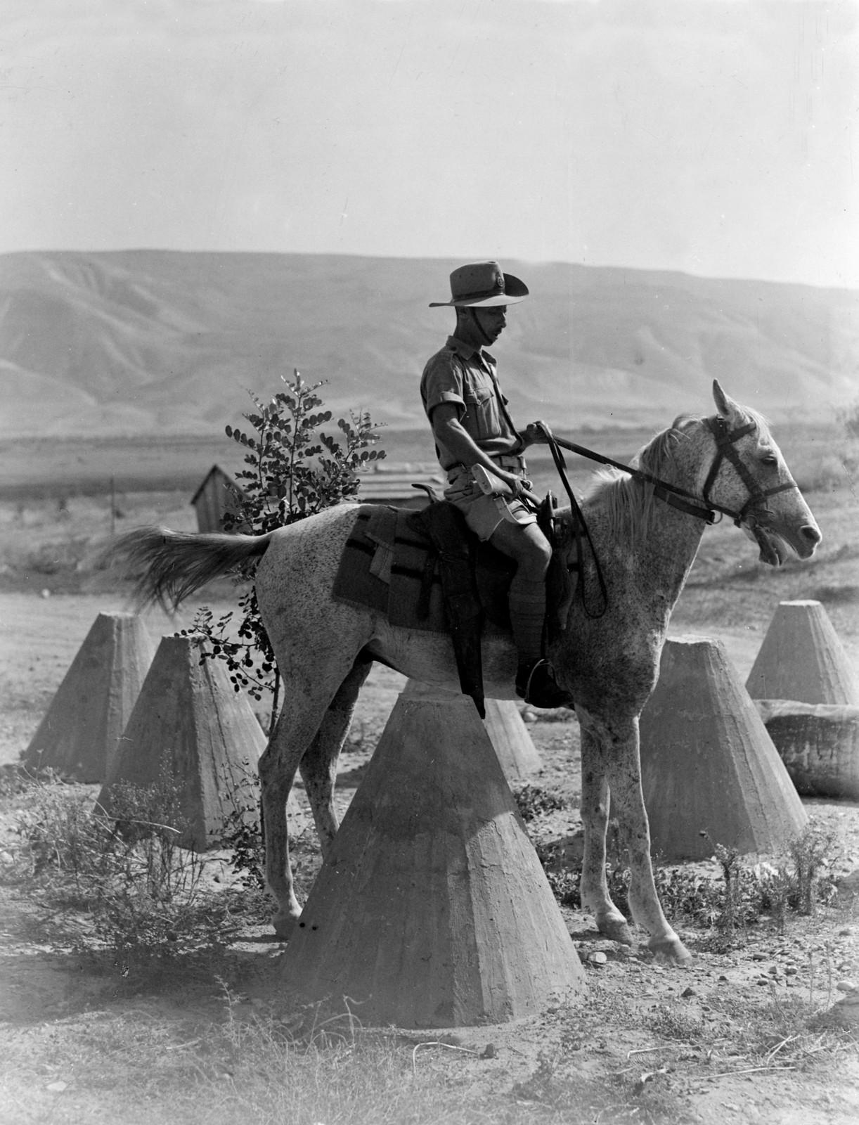 1942. Еврейская поселенческая полиция в Иорданской долине. 08.02