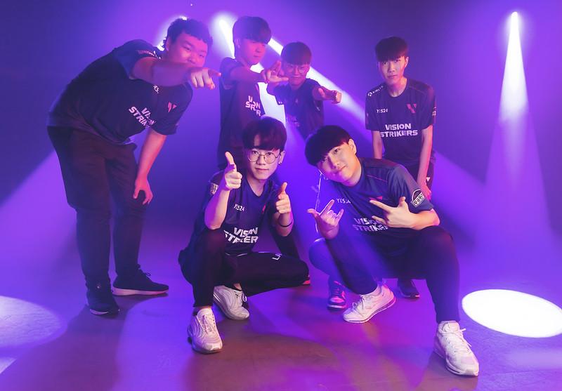 """Vision Strikers, Lee """"k1Ng"""" Seung-won, Kim """"MaKo"""" Myeong-kwan, Goo """"Rb"""" Sang-Min, Yu """"BuZz"""" Byung-chul, Kim """"stax"""" Gu-taek, Kim """"Lakia"""" Jong-min"""