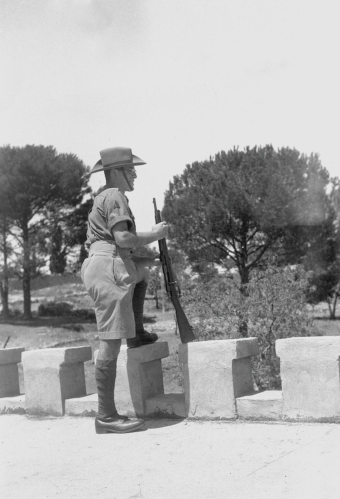 1943. Еврейская поселенческая полиция на охране кибуца Кфар-Эцион. 24 августа