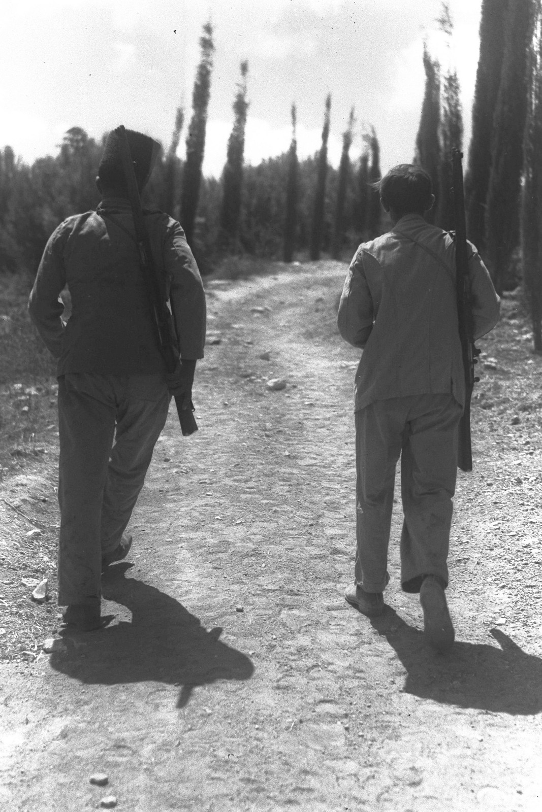 1936. Еврейская поселенческая полиция на плантации в кибуце Мишмар-ха-Эмек. 09.01.