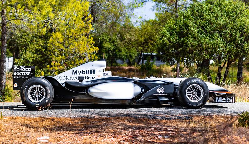 2002-McLaren-MP4-17D-4