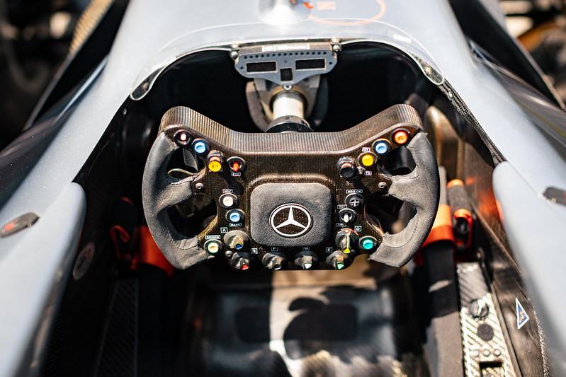 2002-McLaren-MP4-17D-3