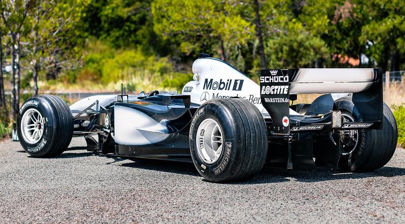 2002-McLaren-MP4-17D-12