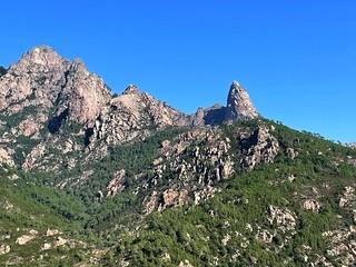 A la montée : depuis vers Livisani, Punta Buvona et Bunifazinca