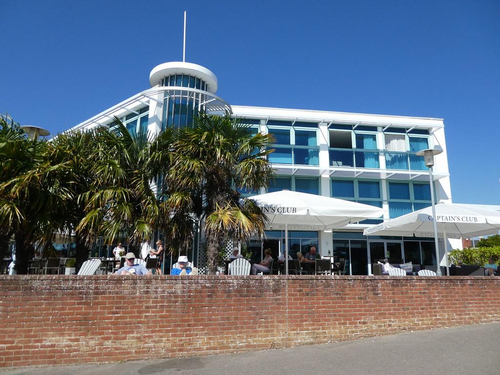 Captain's Club Hotel, Christchurch