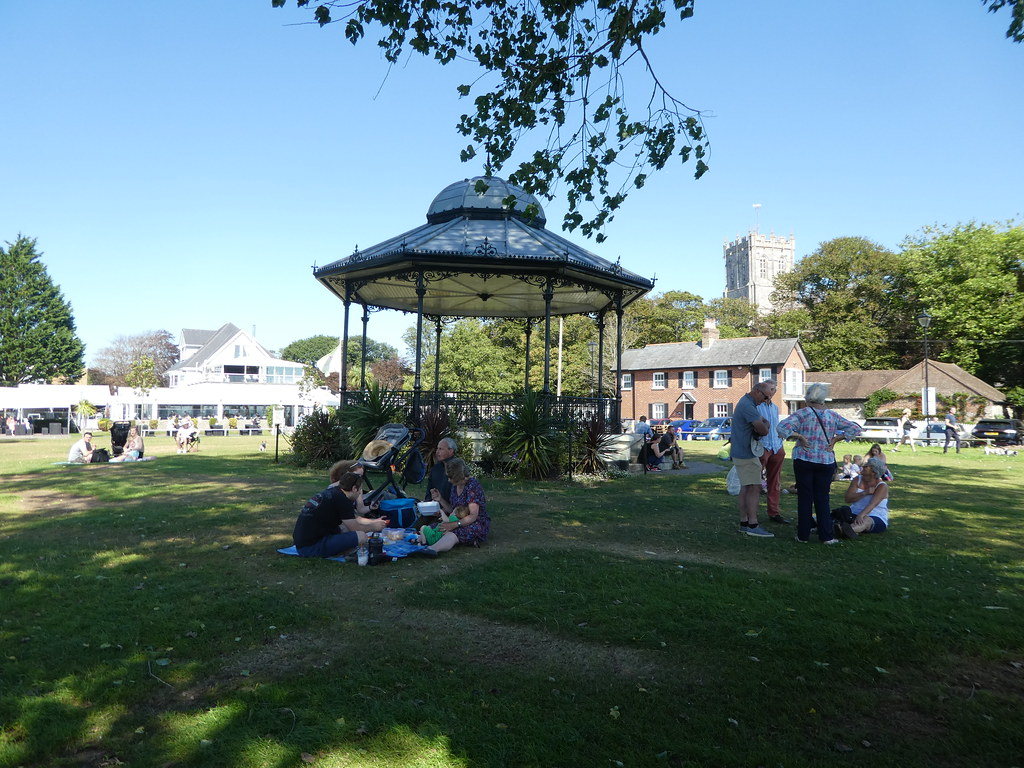 Christchurch Quomps and Bandstand